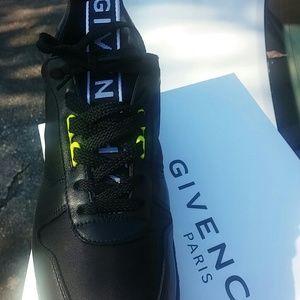 1 wear Givenchy designer high end tennis shoes